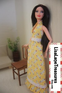 LisaLaneTreasures offers handmade 1:6 scale doll clothes and collectibles on Etsy. Please drop by Lisa's store to check out her neat stuff!