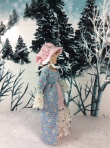 Sew a #Pioneer bonnet for #miniature #dolls w/a free pattern @ ChellyWood.com