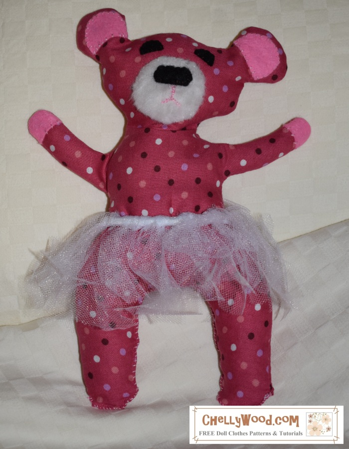 Please Visit ChellyWood For Free Printable Sewing Patterns Image Shows A Pink