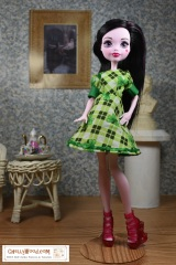 Free #sewing pattern for #MonsterHigh #dolls' dress @ChellyWood.com