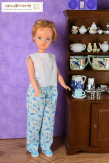 Click here to find all the patterns and tutorials you'll need to make these pajamas: https://chellywood.com/2019/01/17/sewingblogger-thursday-sew-a-felt-shirt-for-vintage-tammy-dolls-chellywood-com/